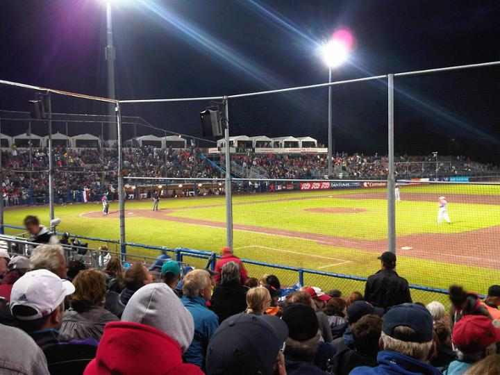 1265_Pim_Mulier_Stadium_at_Night_During_2012_Haarlem_Baseball_Week.jpg
