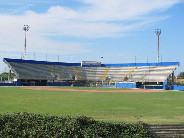 800px-Stadio_dei_Pirati,_Rimini_Baseball_(2013)