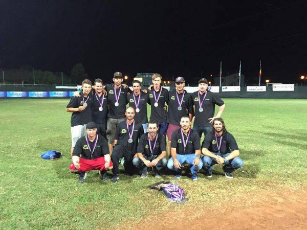 L'équipe vice-championne d'Europe de Pessac. Attention, des Braconniers se cachent sur cette photo.